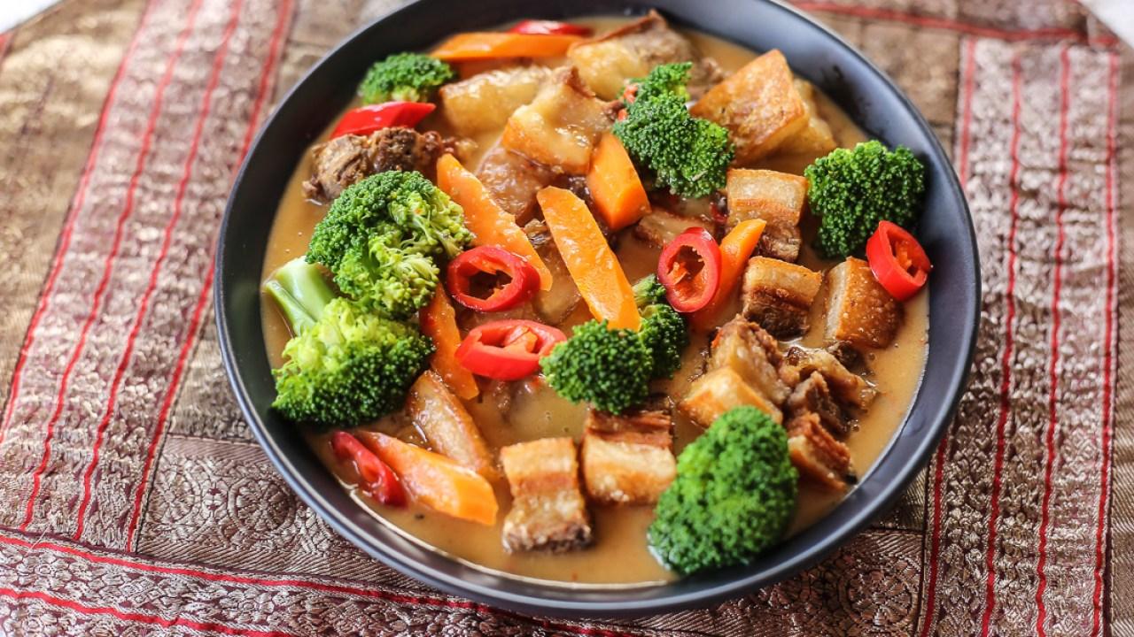 Crispy Pork Curry - Ang Sarap