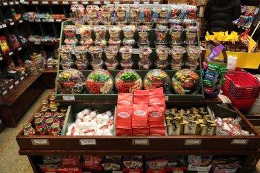 Remarkable Sweet Shop 04
