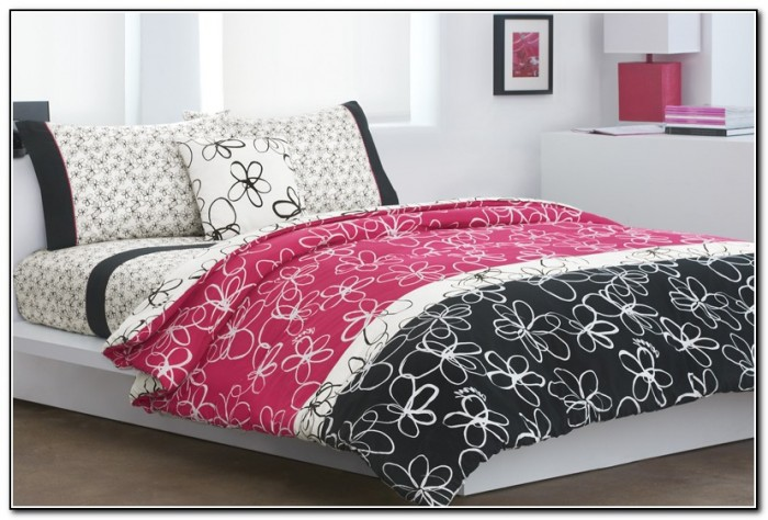 Light Pink And Black Bedding