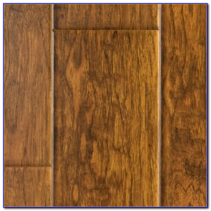 Flooring Distressed Looks Barn Wood Laminate