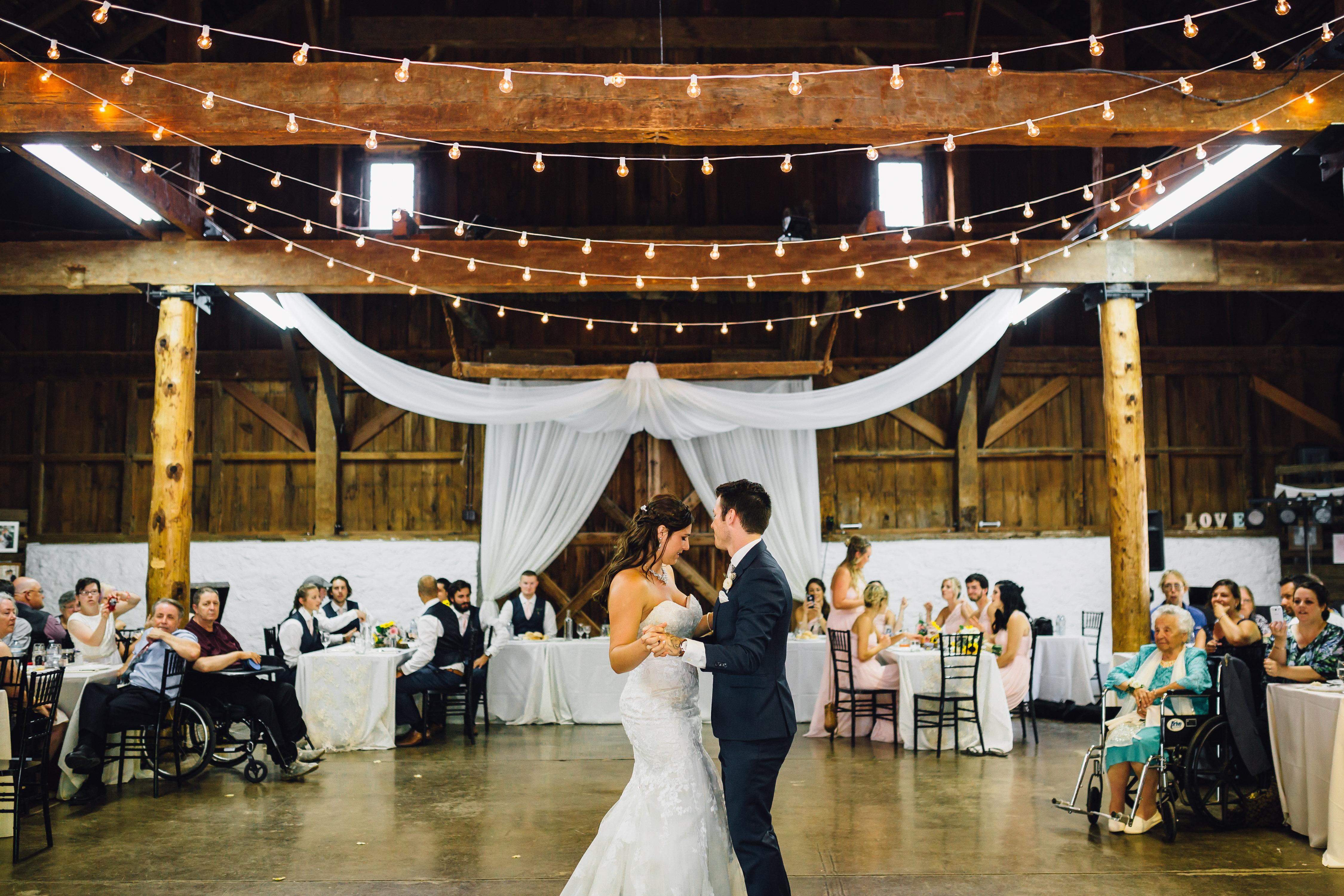 chiavari chairs wedding ceremony weird rocking reception - ball's falls jordan, ontario