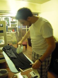 planchar pantalones de traje