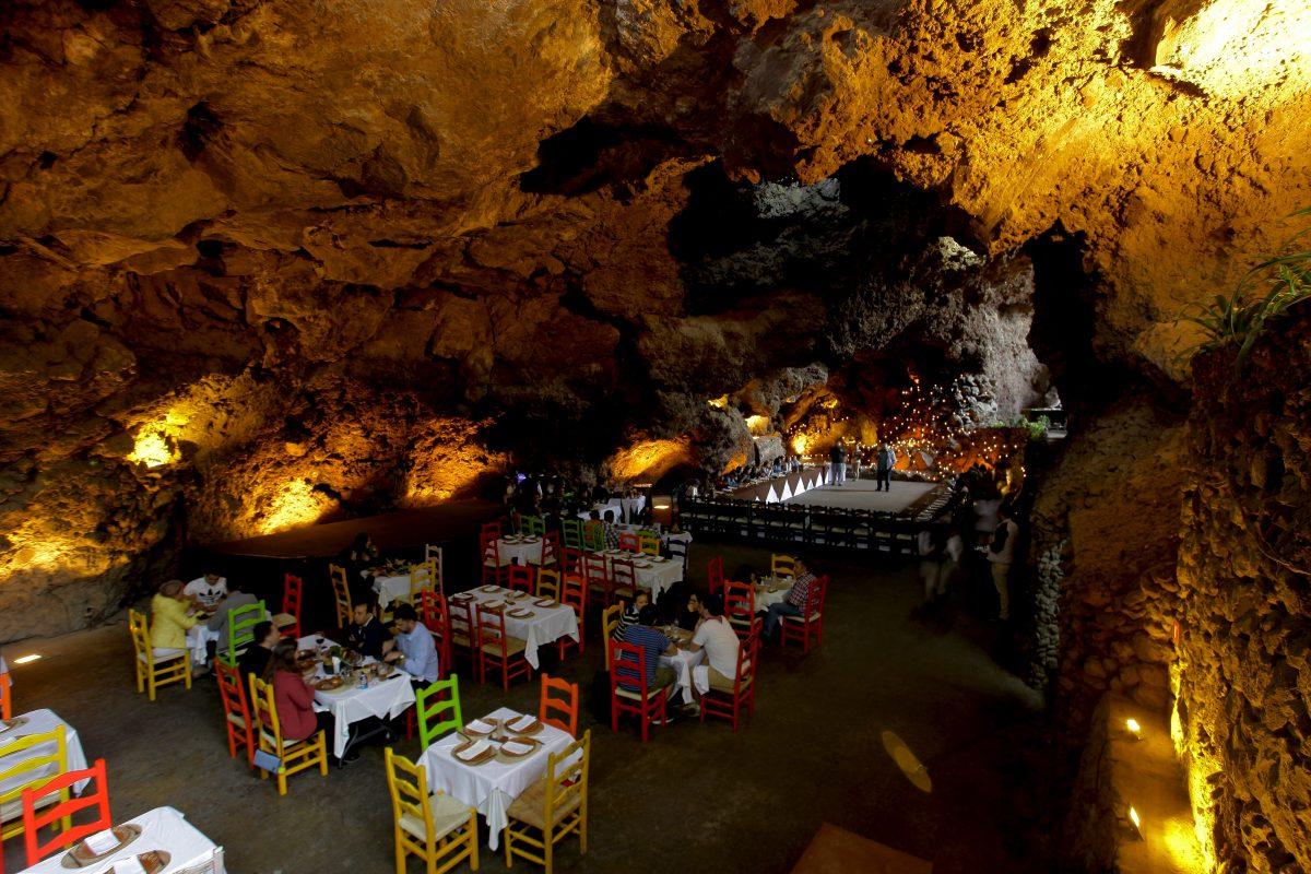 La Gruta el restaurante dentro de unas cuevas en Teotihuacn