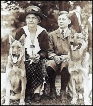 Geraldine Dodge Rockefeller and son