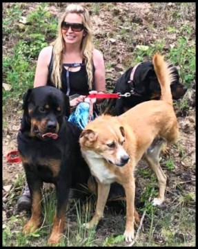 Jennifer Emmi Edwards with her dogs
