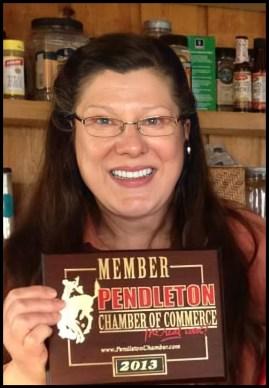 Tamara Brogoitti receives an award.