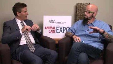 """Wayne Pacelle & """"My Cat From Hell"""" Discovery Channel TV program host Jackson Galaxy. (HSUS photo)"""