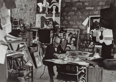 Le_Corbusier_in_his_studio_Paris_1961