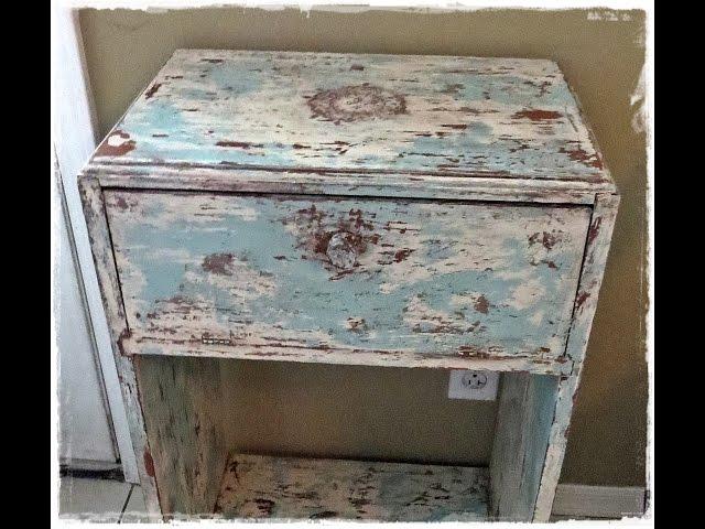 איך צובעים רהיט למראה עתיק מיושן?