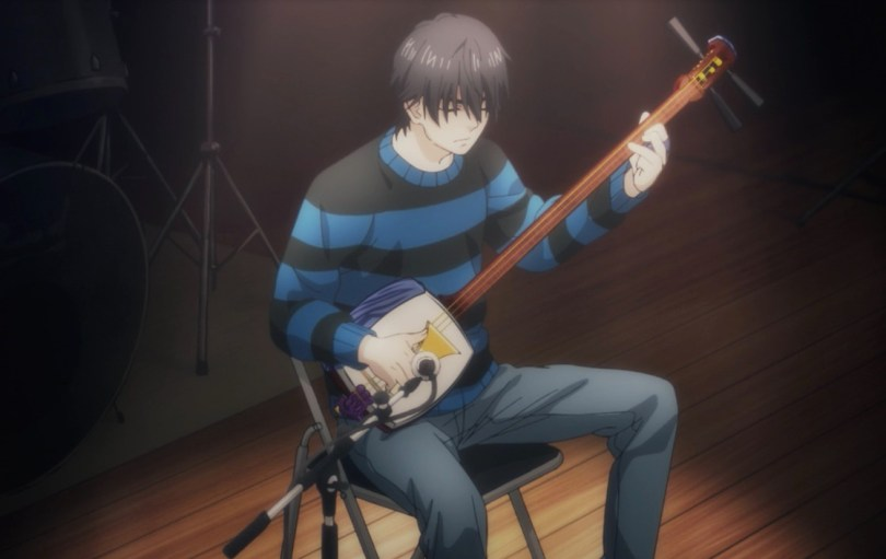 Setsu playing the Shamisen