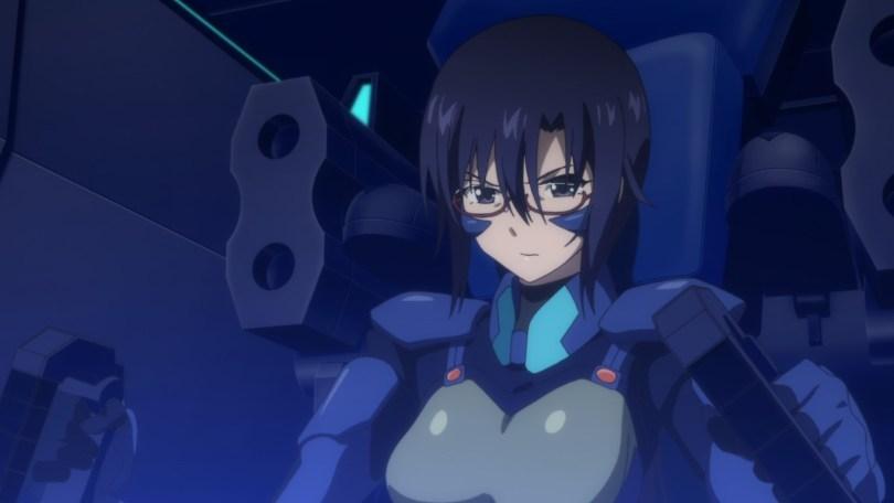 Lieutenant Komaki Sayoko pilots her mecha as she fights the BETA.