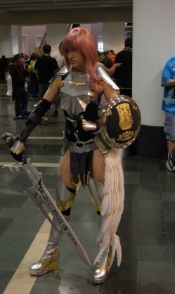 Anime Boston 2013 - Cosplay - FFXIII 002