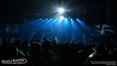 Miku Concert - Official 016 - 20141028