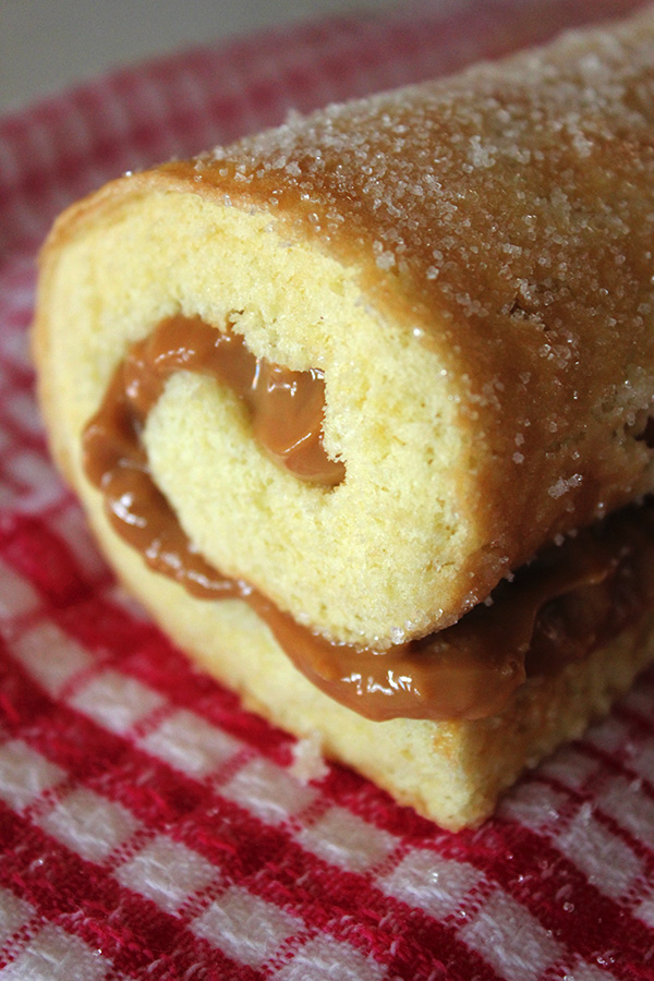 Vanilla Caramel Swiss Roll Aninas Recipes