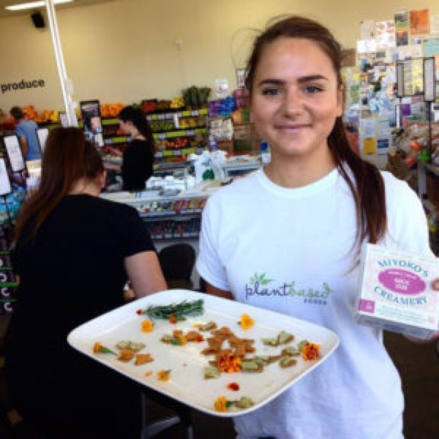 #miyokos #creamery #dairyfree #vegan #nutcheese #culturednutproduct #tastings at #wrayorganic #market #cafe #ClevelandQLD #Brisbane #brisbaneeats #brisbanefood #brisbaneanyday #food #foodie #foodblog #foodpics