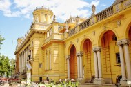 The front of the Széchenyi Thermal Bath