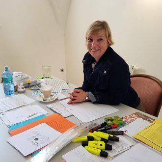 Anita auf Reisen ist nicht nur Bloggerin und Journalistin, sondern auch Trainerin fürs kreative Schreiben. Foto: Angelika Komposch