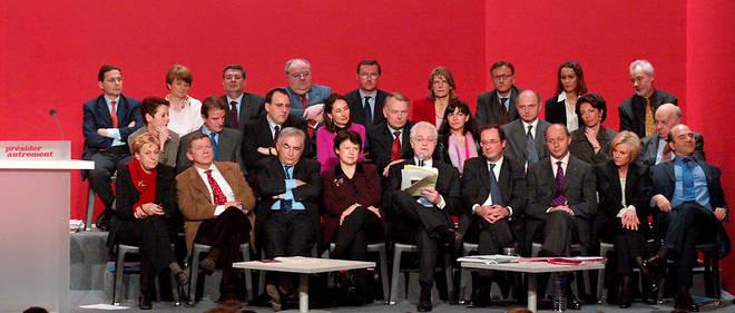 Une grande partie du gouvernement Jospin et François Hollande en mars 2002 lors de la campagne présidentielle. Lionel Jospin sera battu.