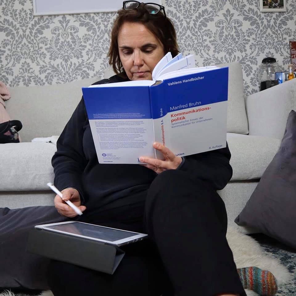 Anja Butschkau im Homeoffice