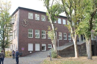 Auf dem alten Zechengelände hat sich 1989 die CJD-Tochter Integrationsunternehmen Zeche Germania niedergelassen.