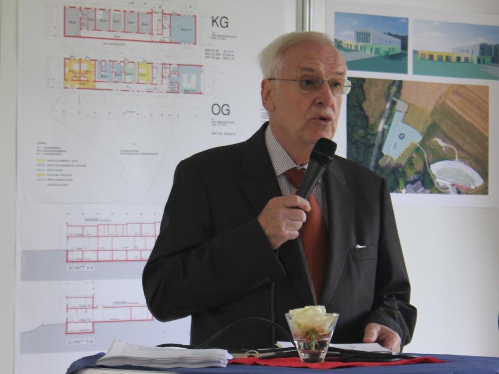 Manfred Sauer bei der Info-Veranstaltung des Kinderhospiz Sonnenherz Dortmund