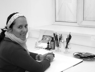Anja Marais working in studio