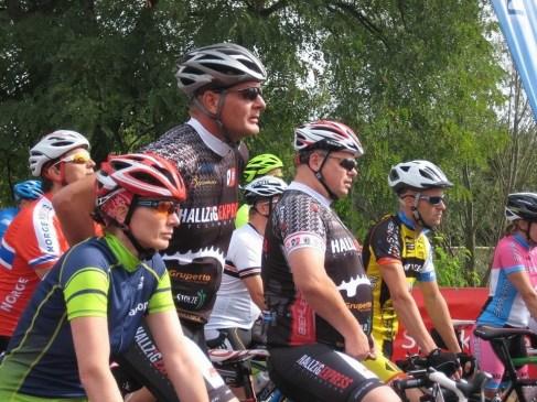 Startaufstellung ... Heideradcup 2015 in Torgau ... Anja, Jens, Maik und Andre