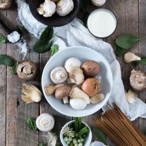 Comfy efterårspasta  med mørbrad, svampe og spinat