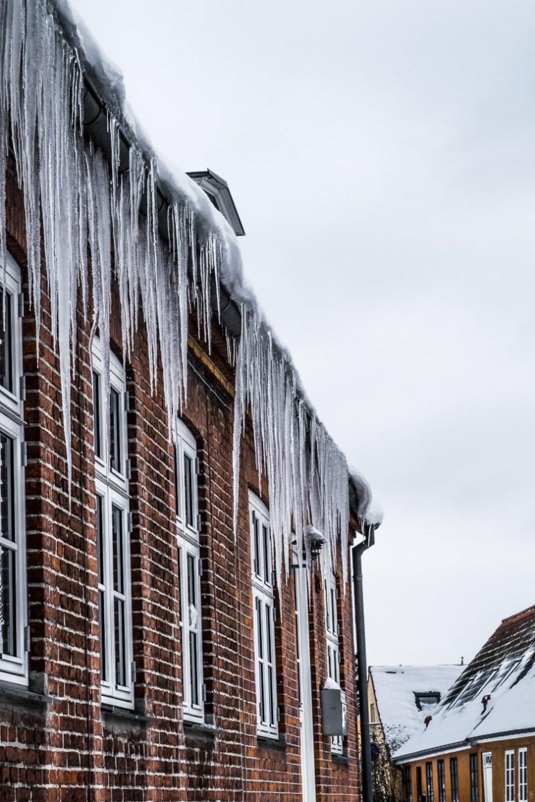 sibirisk kulde marts 2018 - istapper