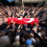 MARDÝN'DE TERÖR ÖRGÜTÜ PKK'NIN SÝLAHLI SALDIRISI SONUCU ÞEHÝT OLAN POLÝS MEMURU CENGÝZ ENGÝZEK MEMLEKETÝ KAHRAMAMARAޒTA GÖZYAÞLARI ARASINDA SON YOLCULUÐUNA UÐURLANDI. (HABÝP DEMÝRCÝ/KAHRAMANMARAÞ-ÝHA)