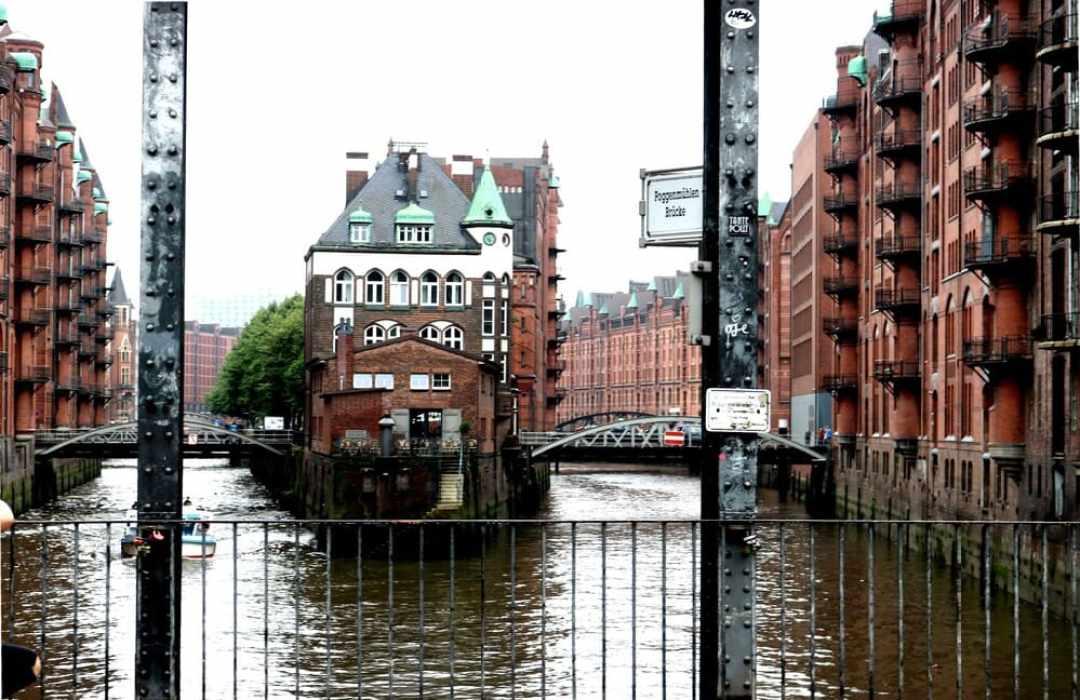 Poggenmühler_Brücke_Speicherstadt_Hamburg_Rudolphs
