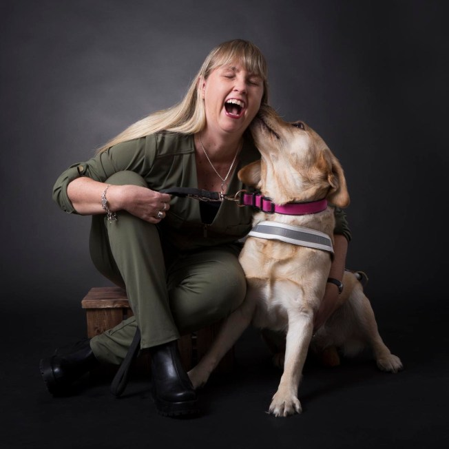 Anna och ledarhunden Chanti
