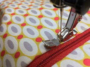 Rifinite con una cucitura a filo