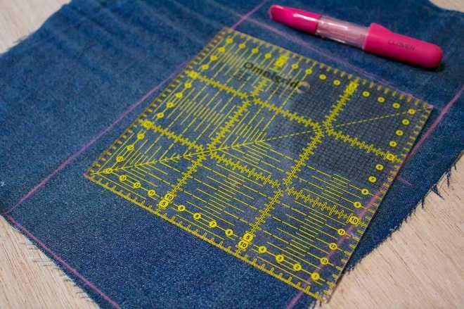 stabilite le dimensioni della borsa e tagliate i tessuti scelti