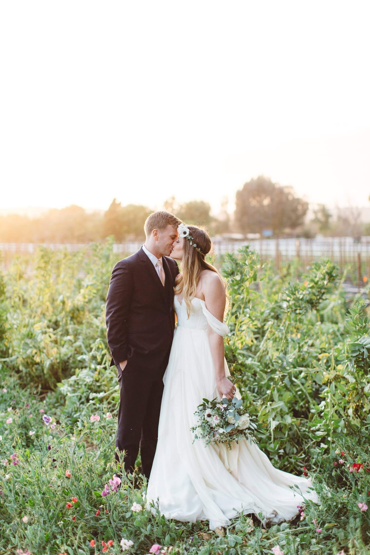 Walnut Grove wedding photos  Anna Delores Photography
