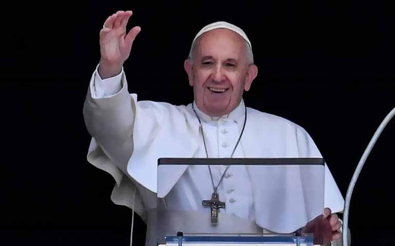 Papa Francesco: Ricordatevi che non siamo soli