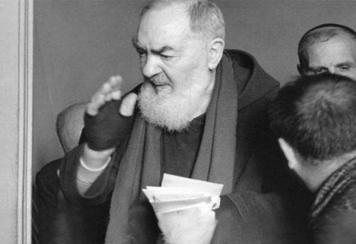 """Padre Pio: """"Stai tranquilla, quando l'anima teme di offendere Dio, non lo offende"""