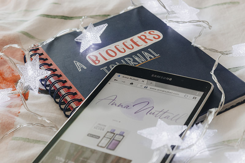 Christmas gifts ideas for bloggers