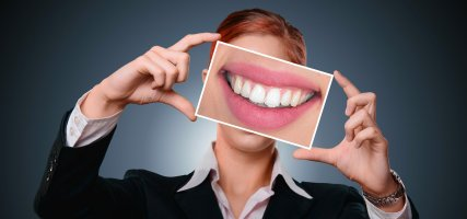 What You Should Do About Cracked Front Teeth