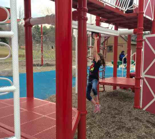Mess Free Playgrounds - County Farm Park - Zip Line