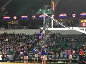 Harlem Globetrotters - Hanging from the Basket