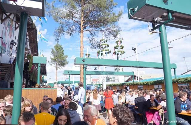 The beer garden in front of the Oktoberfest (Schottenhammel in this case)