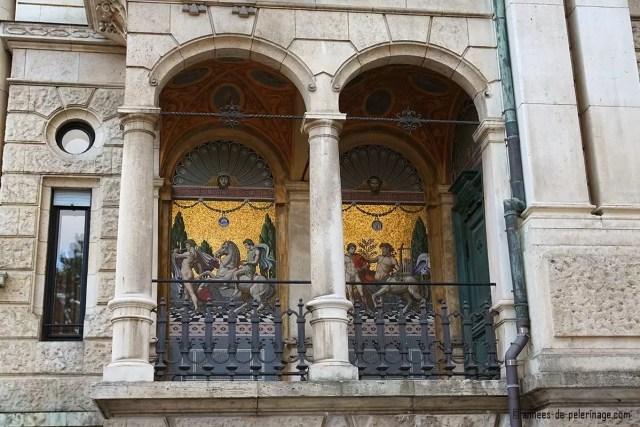 An art nouveau mosaic in a sprawling villa in the Georgenstrasse in Munich
