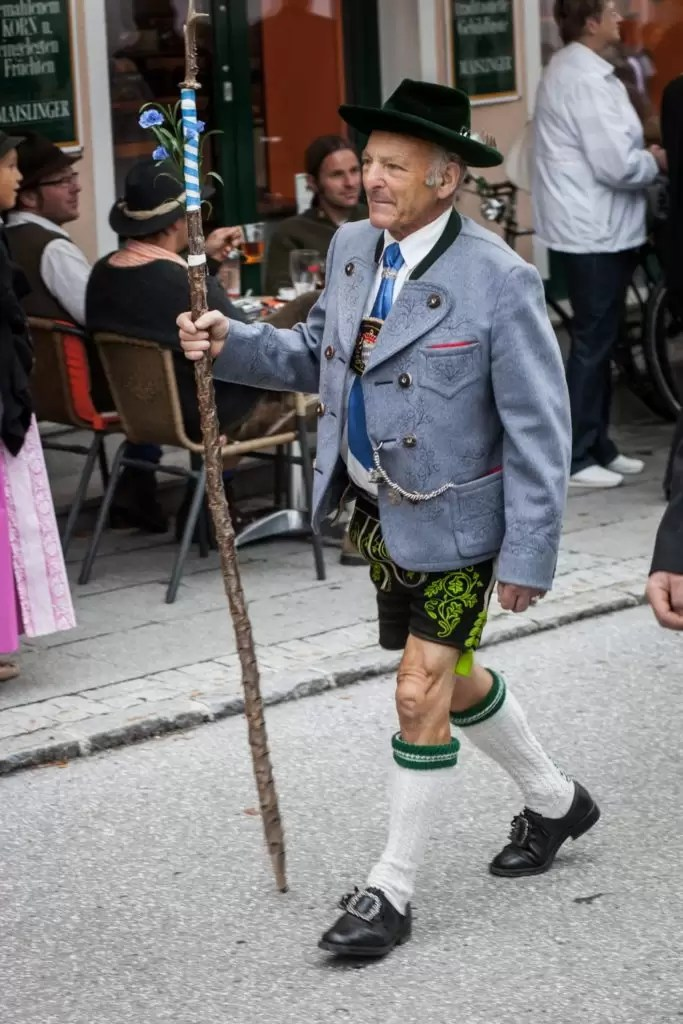 the perfect oktoberfest outfit