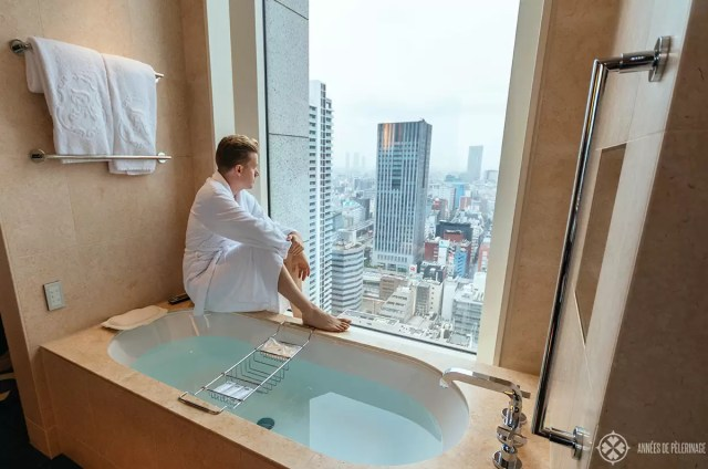 The bathroom of the corner suite at the St. Regis in Osaka, Japan