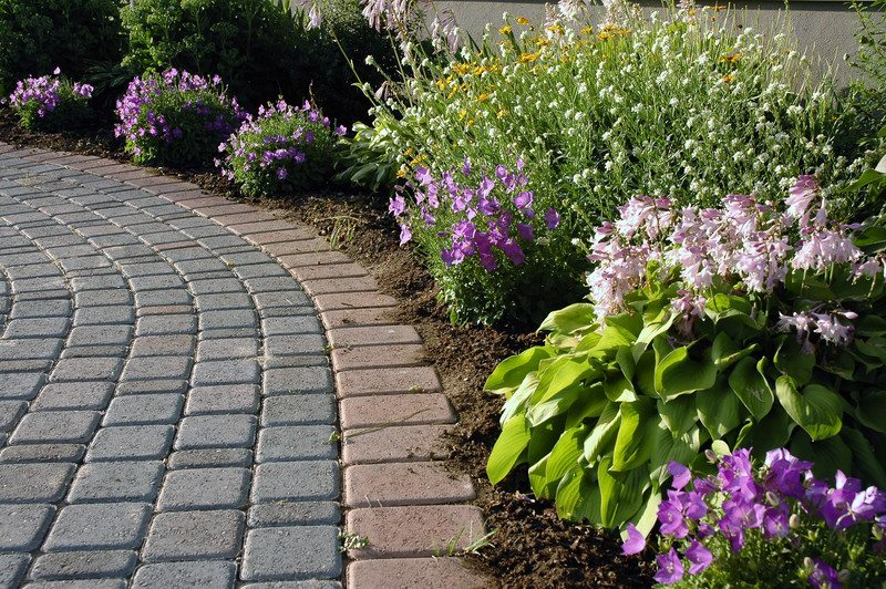 Anne Roberts Gardens chicago-landscaping-11