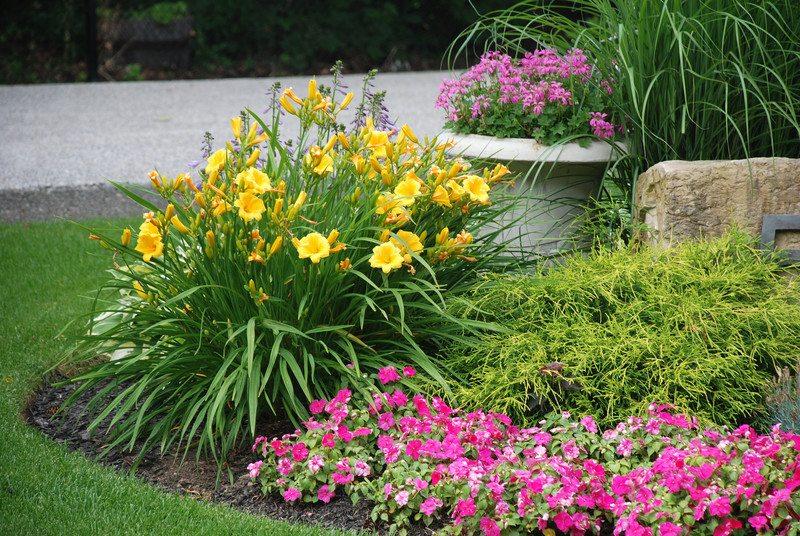 Anne Roberts Gardens chicago-landscaping-5-2