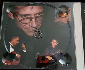 Linke Innenseite der CD draußen mit verschiedenen Fotos von Christian Straube