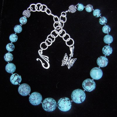 Turquoise graduated beads necklace with hematite silver