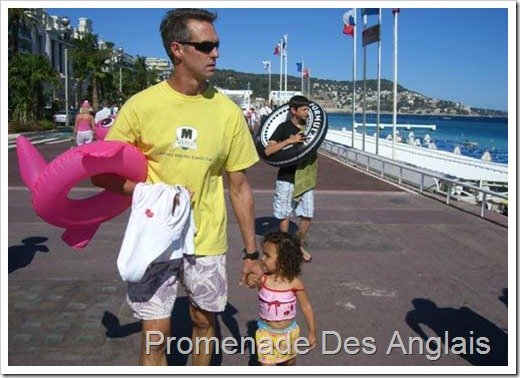 Walk along the inamous Promenade des Anglais